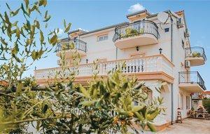 Für 10 Personen: Hübsches Apartment / Ferienwohnung in der Region Vodice
