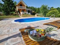 Maison de vacances 1520362 pour 4 adultes + 1 enfant , Nova Kapela