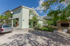 Appartement 1524695 voor 4 personen in Starigrad-Paklenica