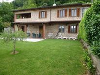 Casa de vacaciones 1525311 para 7 adultos + 1 niño en Vado di Camaiore