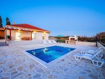 Dom wakacyjny 1531090 dla 8 osób w Privlaka
