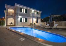 Dom wakacyjny 1534072 dla 8 osób w Grebastica