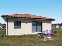 Ferienhaus 1538118 für 4 Personen in Onesse-et-Laharie