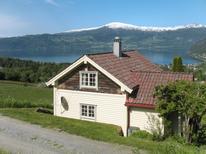 Ferienhaus 1538725 für 6 Personen in Innvik