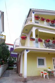 Für 4 Personen: Hübsches Apartment / Ferienwohnung in der Region Vodice