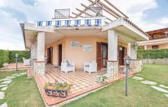 Maison de vacances 1541965 pour 4 adultes + 2 enfants , Cirella