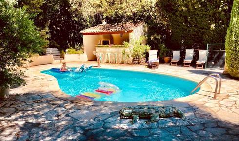 Gemütliches Ferienhaus : Region Cote d'Azur für 11 Personen