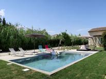 Ferienhaus 1546297 für 8 Personen in Chateaurenard