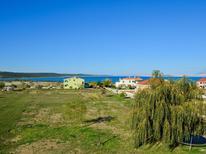 Ferienwohnung 1548288 für 4 Personen in Krneza