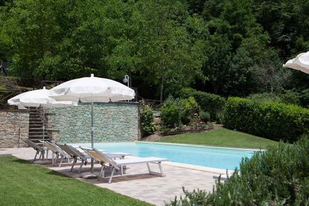 Gemütliches Ferienhaus : Region Raggiolo für 5 Personen