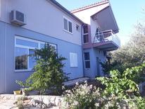 Appartement 1550776 voor 6 personen in Primošten Burnji