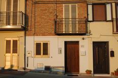 Vakantiehuis 1551901 voor 5 personen in San Giovanni Lipioni