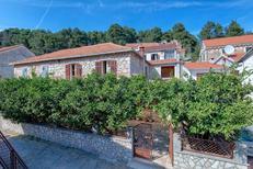 Ferienhaus 1553926 für 11 Personen in Svirce