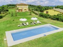 Vakantiehuis 1555062 voor 12 personen in Ponteginori