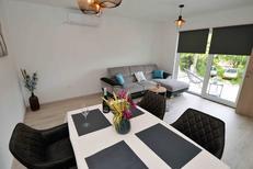 Ferienhaus 1555338 für 5 Personen in Murter