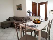 Ferienwohnung 1555753 für 4 Personen in Meta di Sorrento