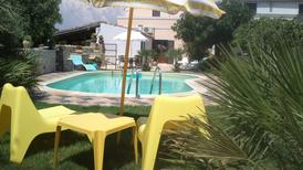 Holiday home 1556395 for 5 persons in Ragusa