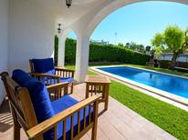 Casa de vacaciones 1556970 para 8 personas en Cunit