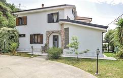 Ferienhaus 1557912 für 14 Personen in Gizzeria