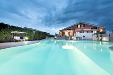 Ferienhaus 1558418 für 8 Personen in Modica