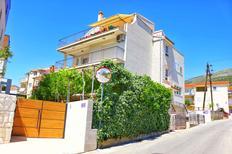 Appartement de vacances 1559211 pour 5 personnes , Podstrana