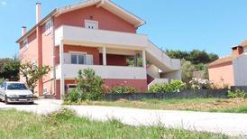 Appartement 156261 voor 7 personen in Pašman