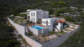 Holiday home 1561363 for 12 persons in Donja Krusica