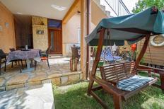 Appartement 1565744 voor 4 personen in Bašanija