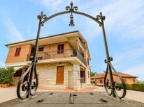 Appartement 1567023 voor 3 personen in Abbadia di Siena