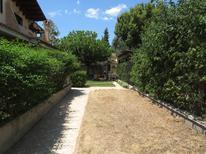 Ferienwohnung 1567781 für 3 Personen in Olia Speciosa