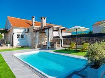 Vakantiehuis 1568979 voor 5 personen in Pridraga