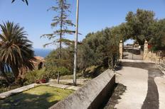 Villa 1570891 per 3 adulti + 1 bambino in Castel di Tusa