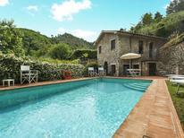 Vakantiehuis 1573148 voor 8 personen in Arliano