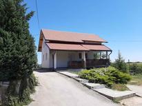 Appartement 1574370 voor 6 personen in Rakovica