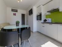 Appartement 1574738 voor 2 personen in Crikvenica
