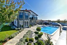 Casa de vacaciones 1574998 para 10 personas en Fažana
