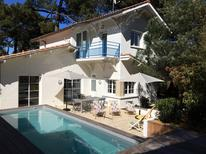 Holiday home 1576851 for 8 persons in Arcachon