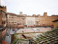 Ferienwohnung 1581387 für 8 Personen in Siena