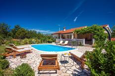 Ferienhaus 1583904 für 8 Personen in Kučiće