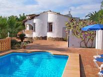 Vakantiehuis 1584448 voor 4 volwassenen + 1 kind in Moraira