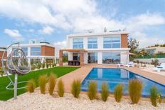 Vakantiehuis 1584996 voor 8 personen in Peyia