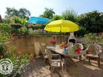 Ferienhaus 1594015 für 4 Personen in Bussières