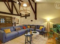 Villa 1594091 per 10 persone in Sainte-Croix-en-Jarez