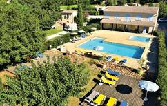 Ferienhaus 1596423 für 4 Personen in Raphele les Arles