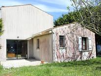Ferienhaus 1599866 für 8 Personen in Saint-Pierre-d'Oléron
