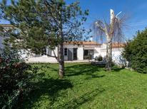 Holiday home 1601546 for 8 persons in Saint-Martin-de-Ré