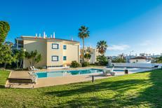 Appartement 1604983 voor 5 personen in Olhos de Água