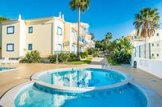 Appartement 1605410 voor 6 personen in Olhos de Água