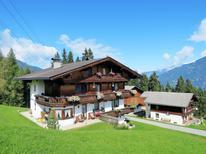 Ferienwohnung 1606401 für 11 Personen in Kaltenbach