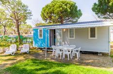 Ferienhaus 1607051 für 4 Erwachsene + 1 Kind in Peschiera del Garda